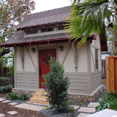In a bungalito with Germanic touches, note the wider yet smaller dormer windows. (Red River Restorations)