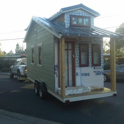 Spotting one truck and one Linden home. (Tiny House Joy)