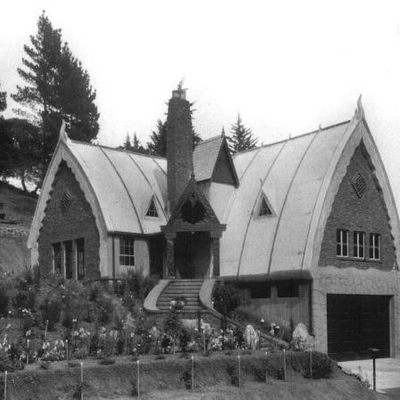 The City of Oakland (CA) built this storybook cottage in 1927, as a fire station with full garage. It may become a museum. (Oakland History Room)