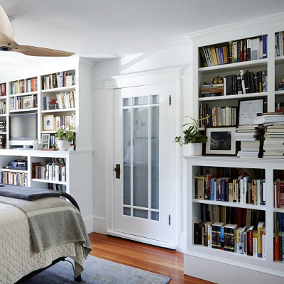 Writers Michael Chabon and Ayelet Waldman store a lot books in their bedroom, some even double-deep. (Remodelista)