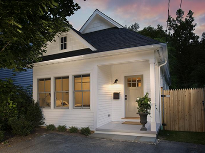 Here's a new yet classic cottage based on the Whidbey design from Tumbleweed Houses. Sporting 960 square feet, the Great Barrington (MA) riverside home is now for re-sale. (realtor.com)