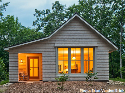 Designed by go logic this 1 000 square foot maine home for Building a house in maine